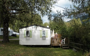 Mobile home renting 2 people